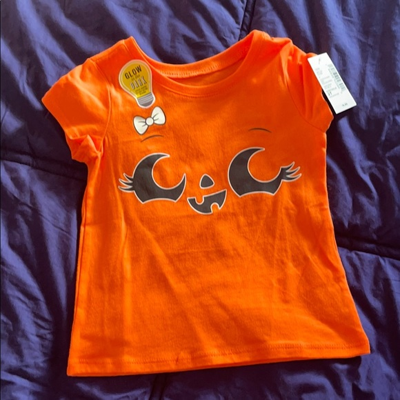 The Children's Place Tee 2T